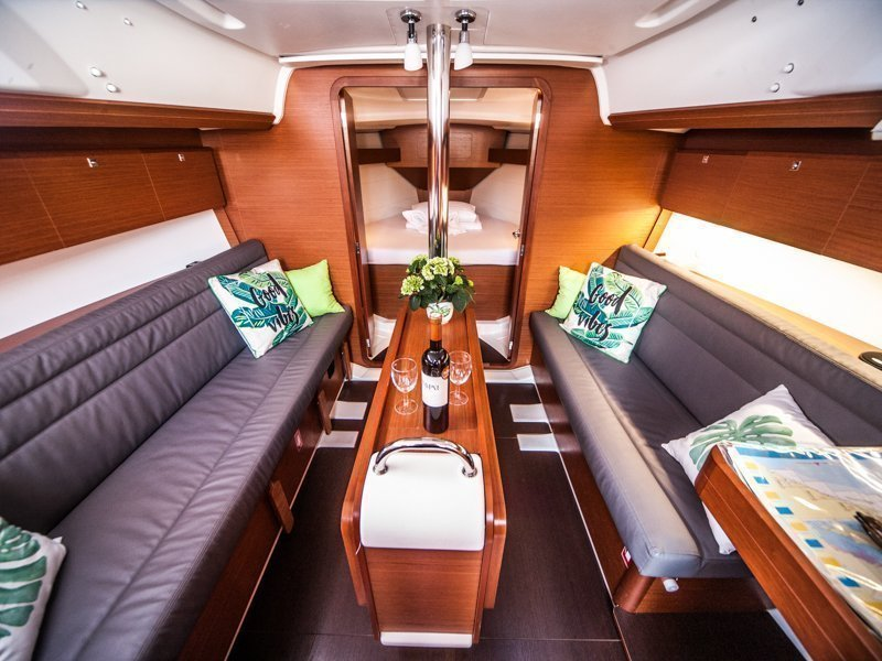 Dufour 350 Grand Large (IDA 2017) Interior image - 7