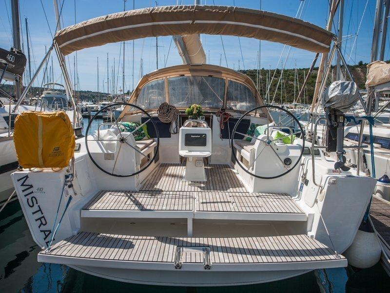 Dufour 410 Grand Large (MISTRAL new sails 2018)  - 5