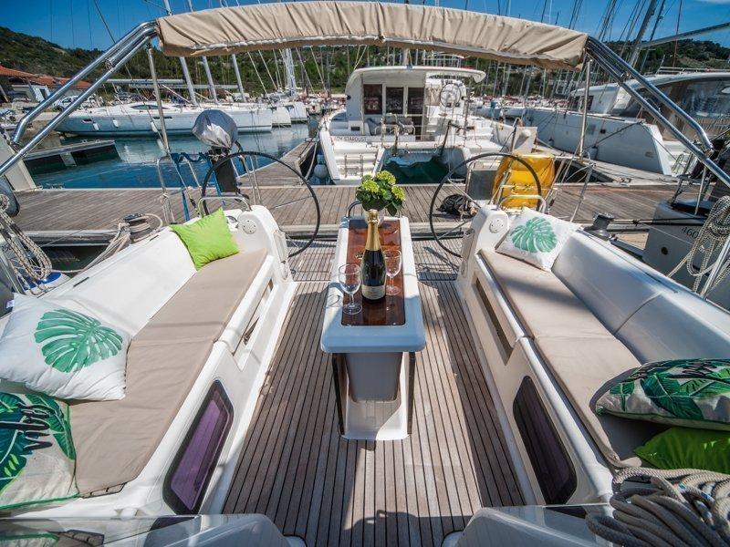 Dufour 410 Grand Large (MISTRAL new sails 2018)  - 8