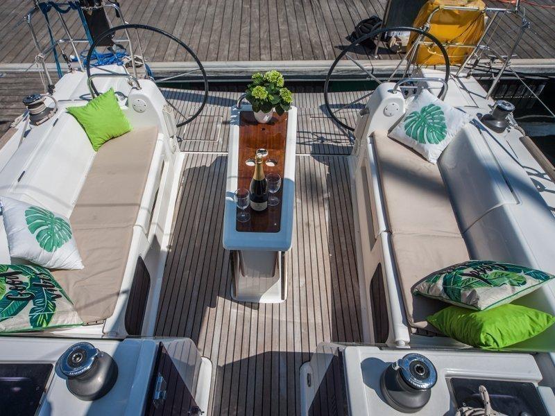Dufour 410 Grand Large (MISTRAL new sails 2018)  - 13