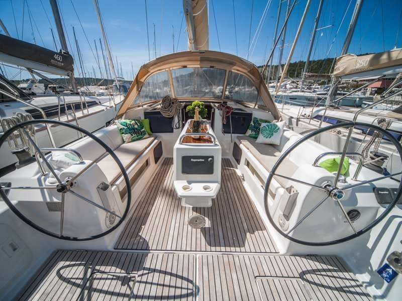 Dufour 410 Grand Large (MISTRAL new sails 2018)  - 2