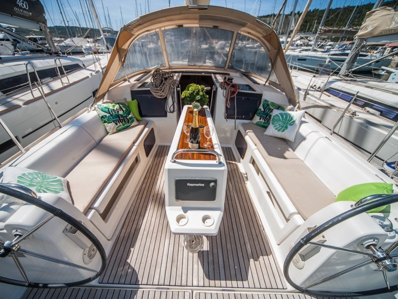 Dufour 410 Grand Large (MISTRAL new sails 2018)  - 11