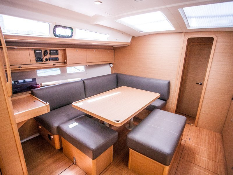 Dufour 460 Grand Large (MADICKEN 2018+AC) Interior image - 14