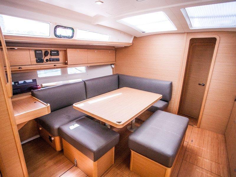 Dufour 460 Grand Large (LISABET 2018+AC) Interior image - 12