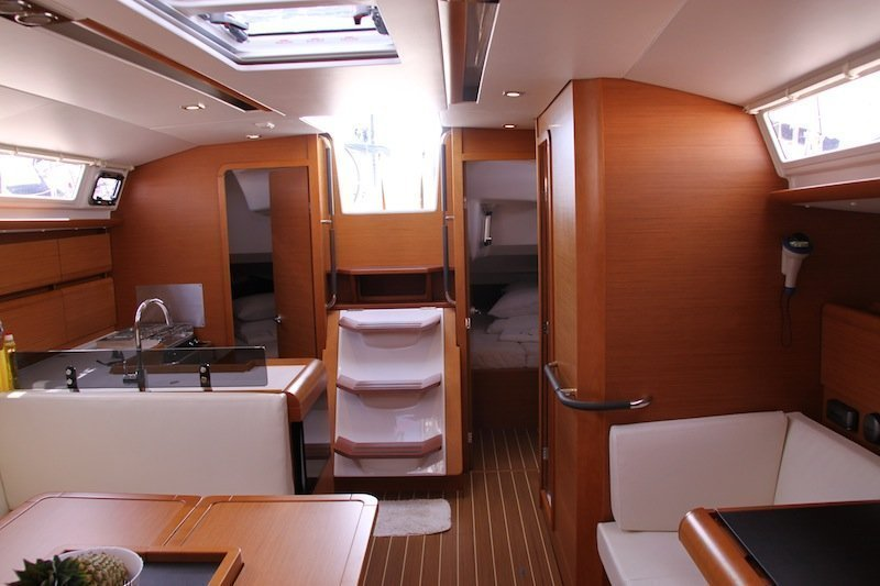 Sun Odyssey 439 owner version  (MADAME)  - 11