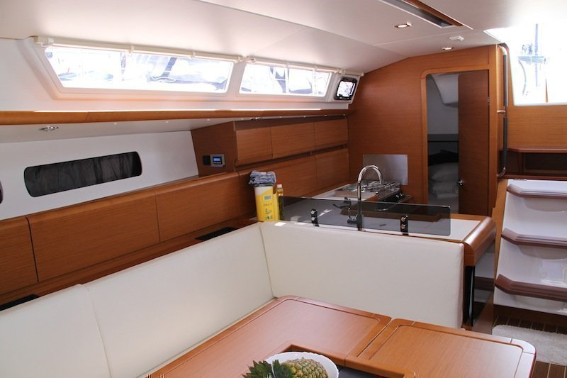 Sun Odyssey 439 owner version  (MADAME)  - 24