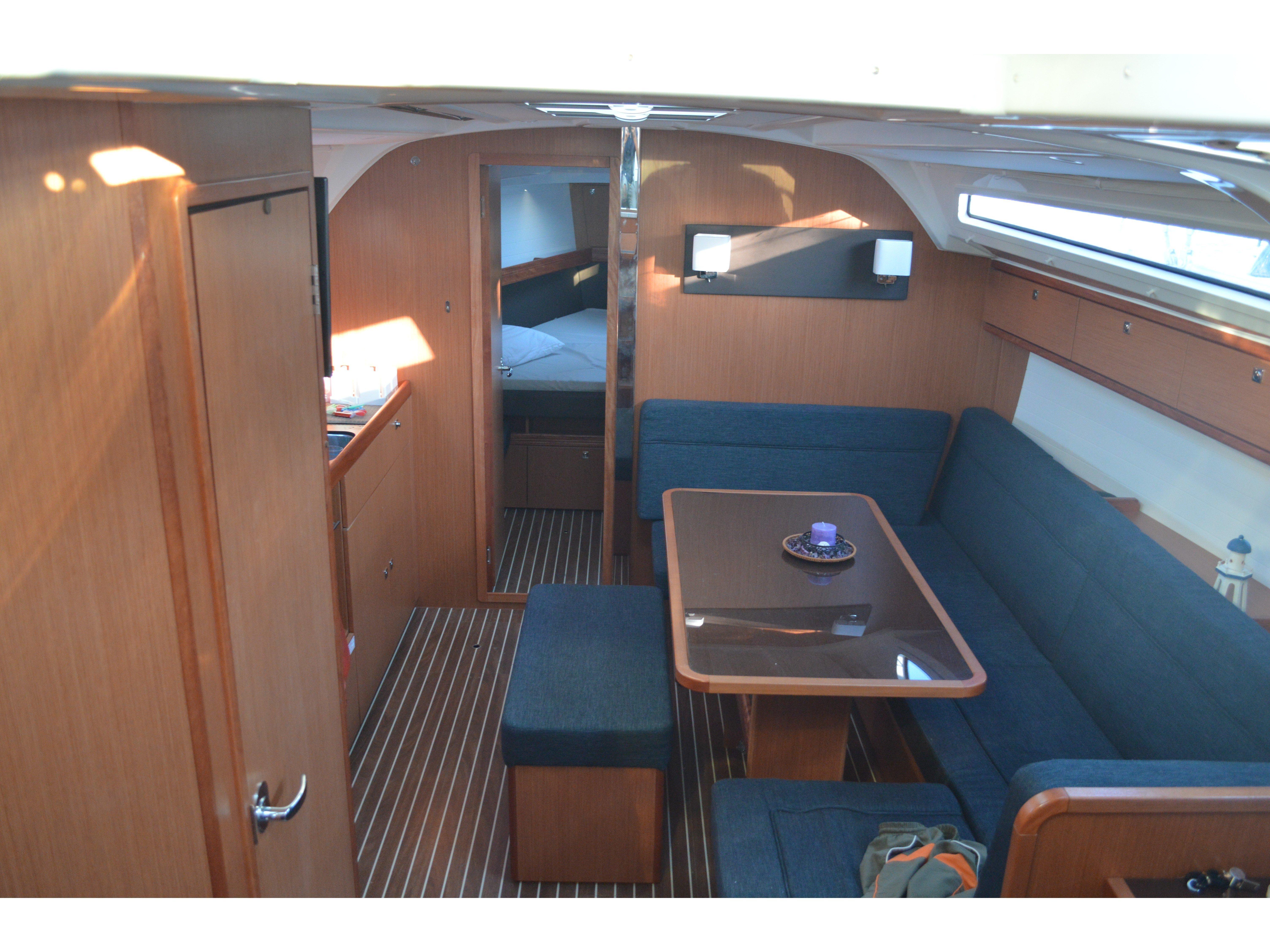 Bavaria Cruiser 41 (Erato) Interior image - 2