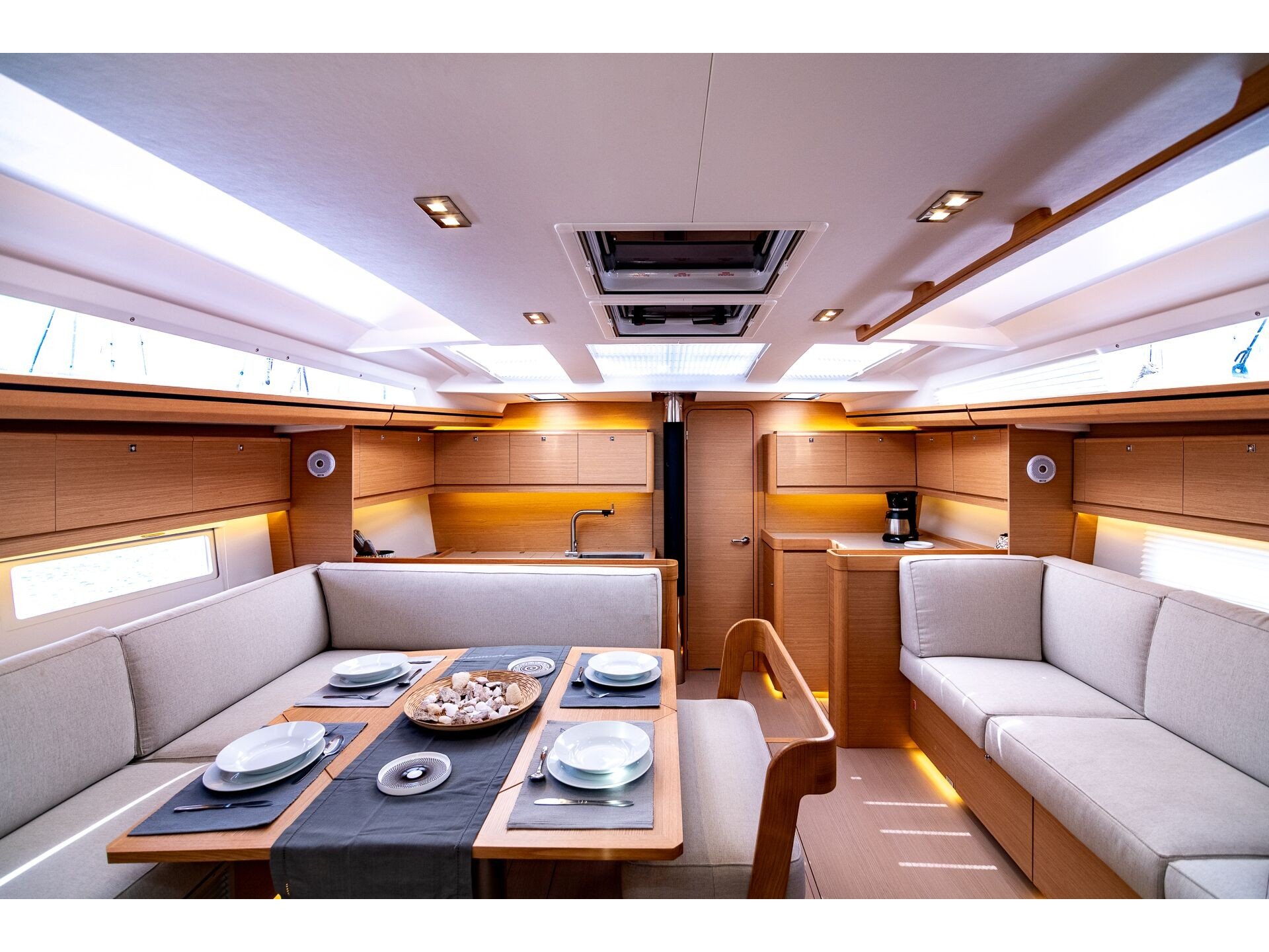 Dufour 520 Grand Large (Blue Bayou) Interior image - 2