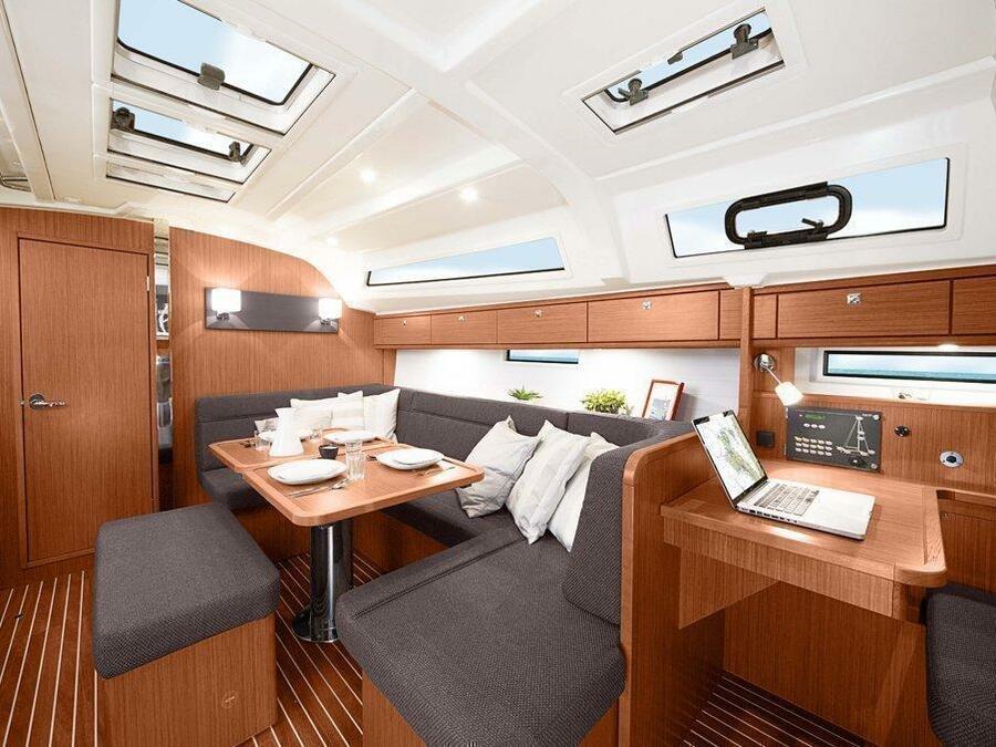 Bavaria Cruiser 41 (B41-2) Interior image - 1