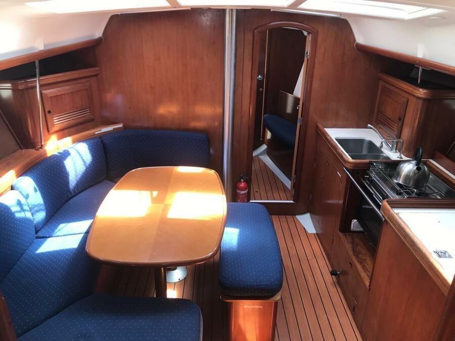 Oceanis 390 (Chiruca Dos (Majorca)) Interior image - 2