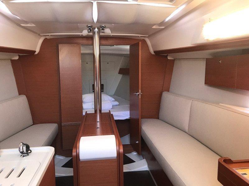 Dufour 310 Grand Large (MIO 2018) Interior image - 9