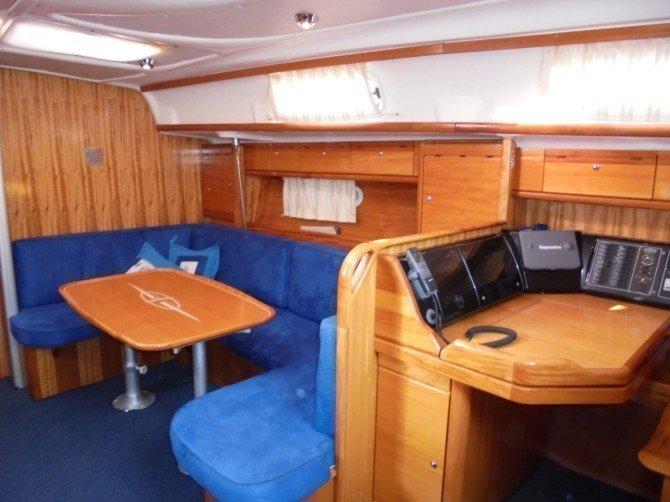 Bavaria 39 Cruiser (Rubycoon) Interior image - 1