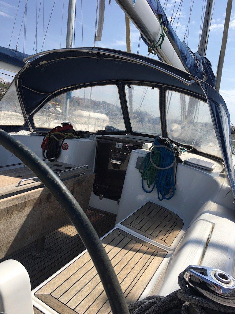 Dufour 425 (Surprise) cockpit - 15