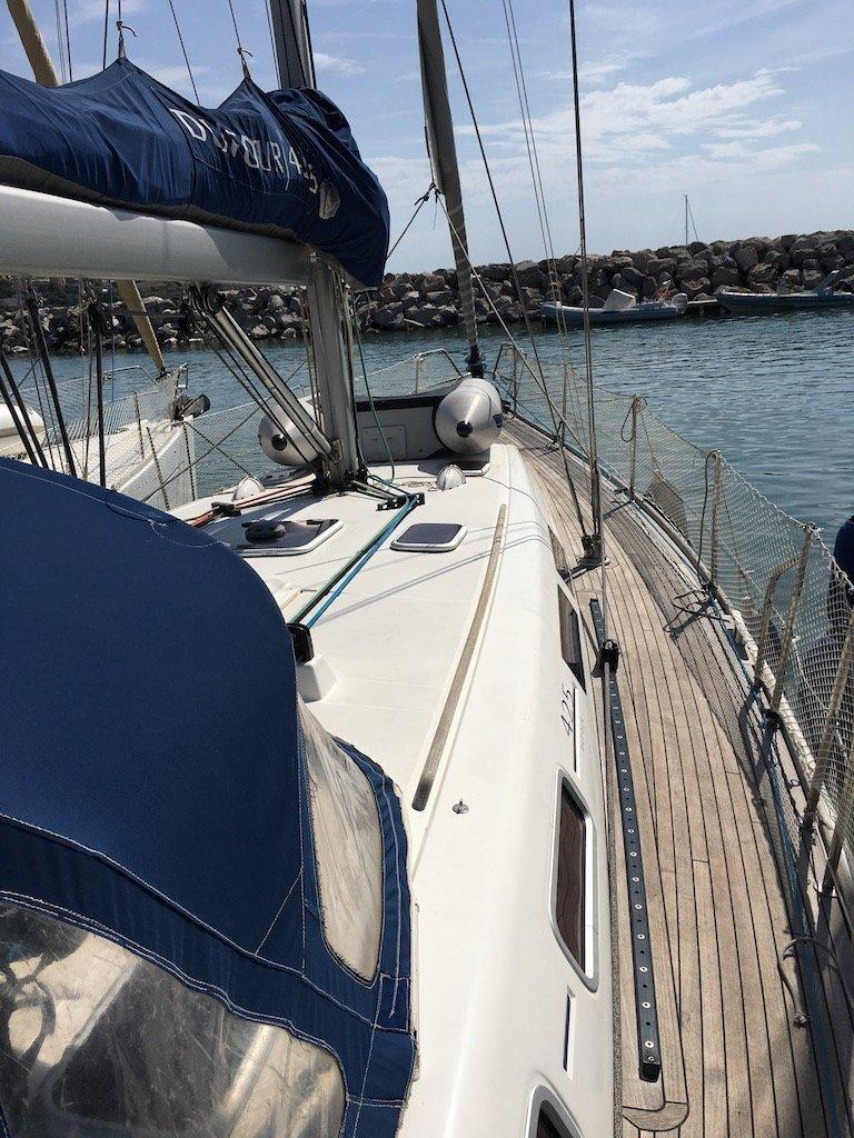 Dufour 425 (Surprise) deck - 16