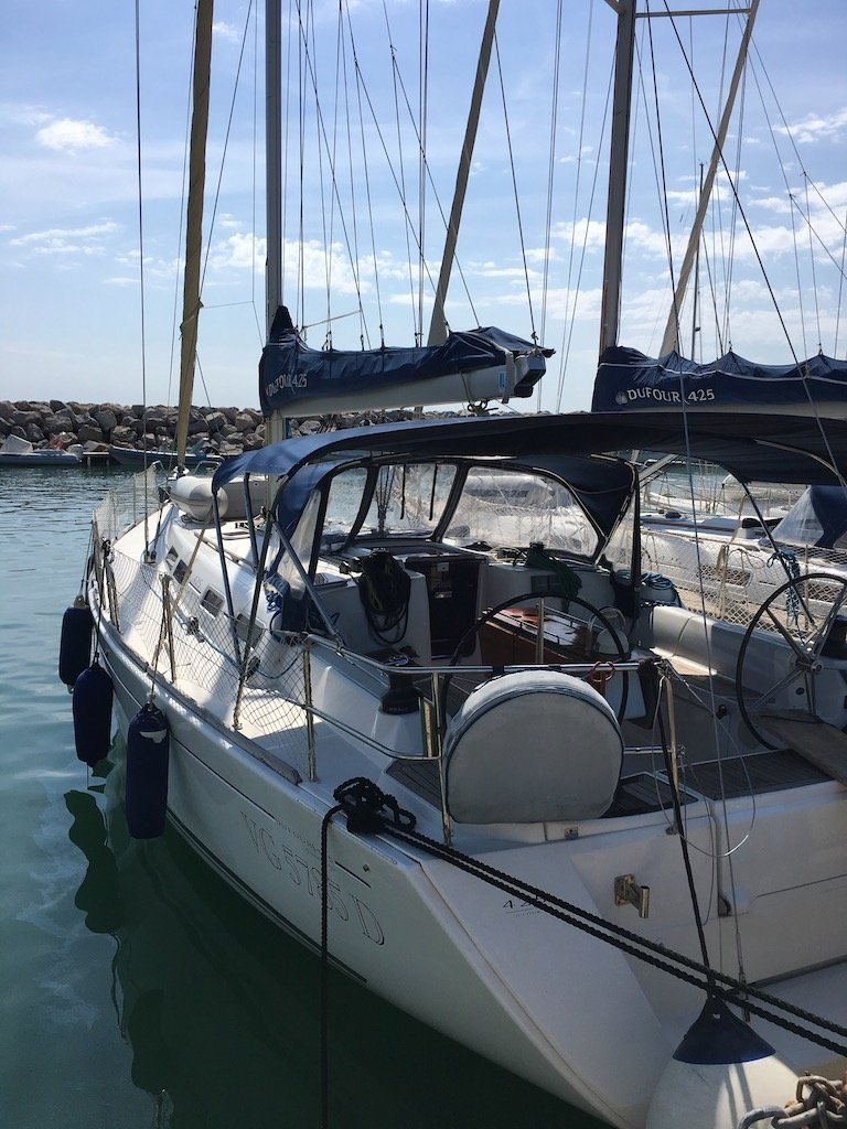 Dufour 425 (Hook) outside view - 7