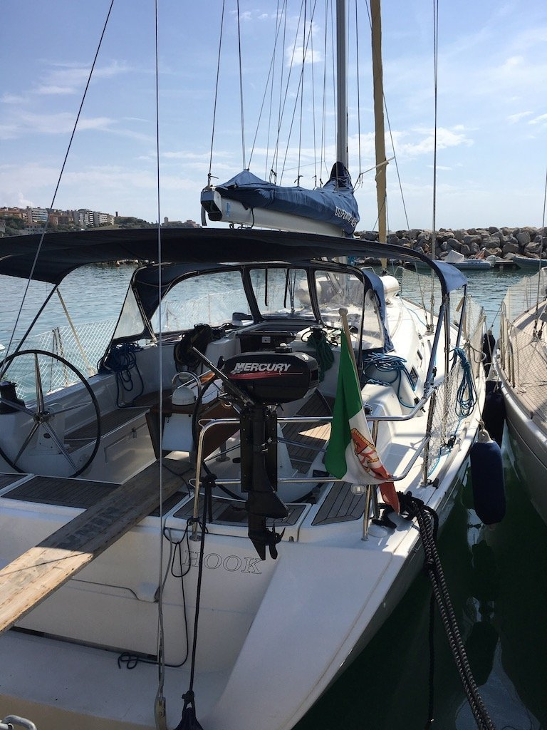 Dufour 425 (Hook) outside view - 16