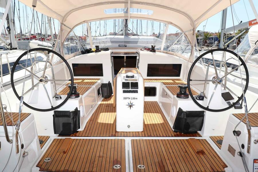 Sun Odyssey 440 - 3 cabin, 2 heads (Ella Victoria)  - 17