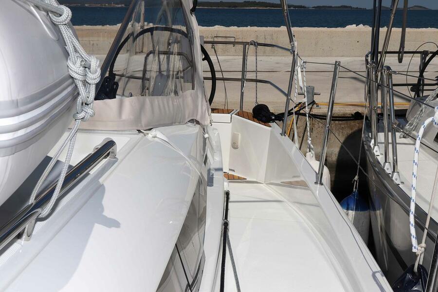 Sun Odyssey 440 - 3 cabin, 2 heads (Ella Victoria)  - 6