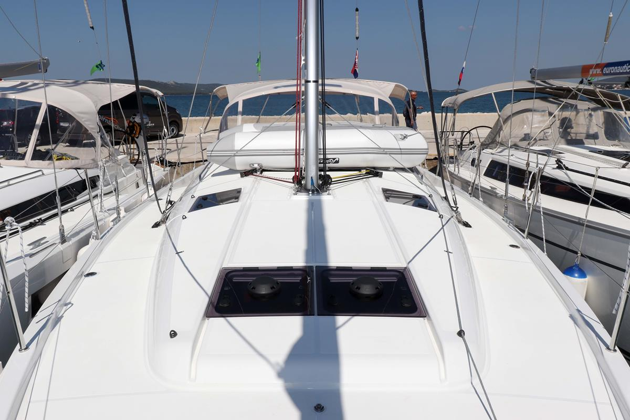 Sun Odyssey 440 - 3 cabin, 2 heads (Ella Victoria)  - 3