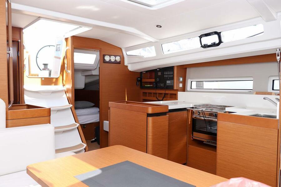 Sun Odyssey 440 - 3 cabin, 2 heads (Ella Victoria)  - 7