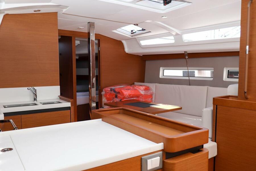 Sun Odyssey 440 - 3 cabin, 2 heads (Ella Victoria)  - 12
