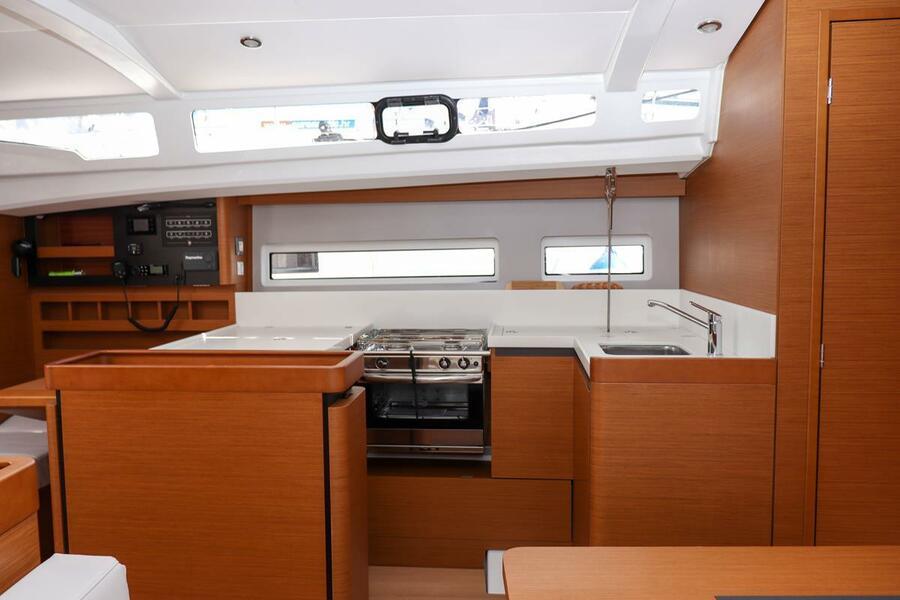 Sun Odyssey 440 - 3 cabin, 2 heads (Ella Victoria)  - 19