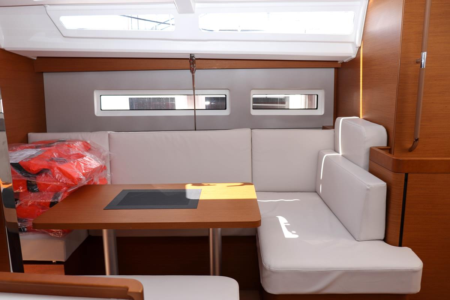 Sun Odyssey 440 - 3 cabin, 2 heads (Ella Victoria)  - 9
