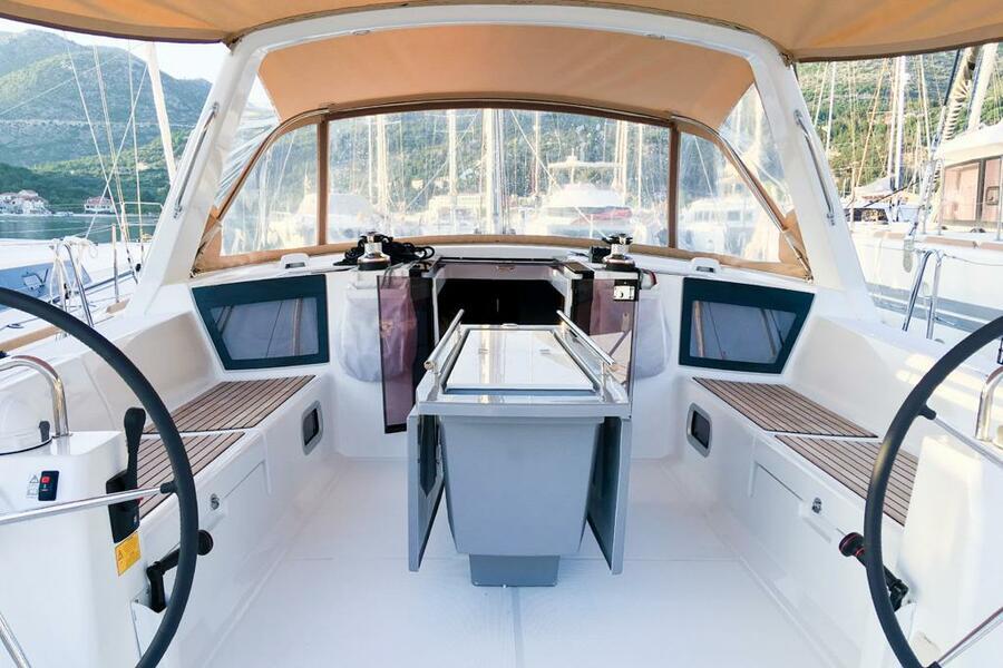 Oceanis 45 (4 cabs) (Mambo 1)  - 5