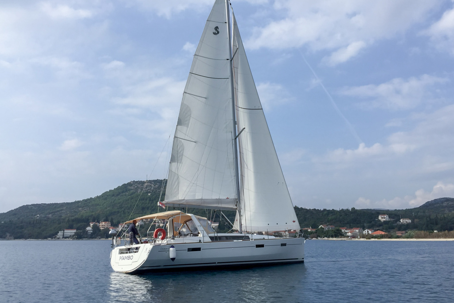 Oceanis 45 (4 cabs) (Mambo 1)  - 13
