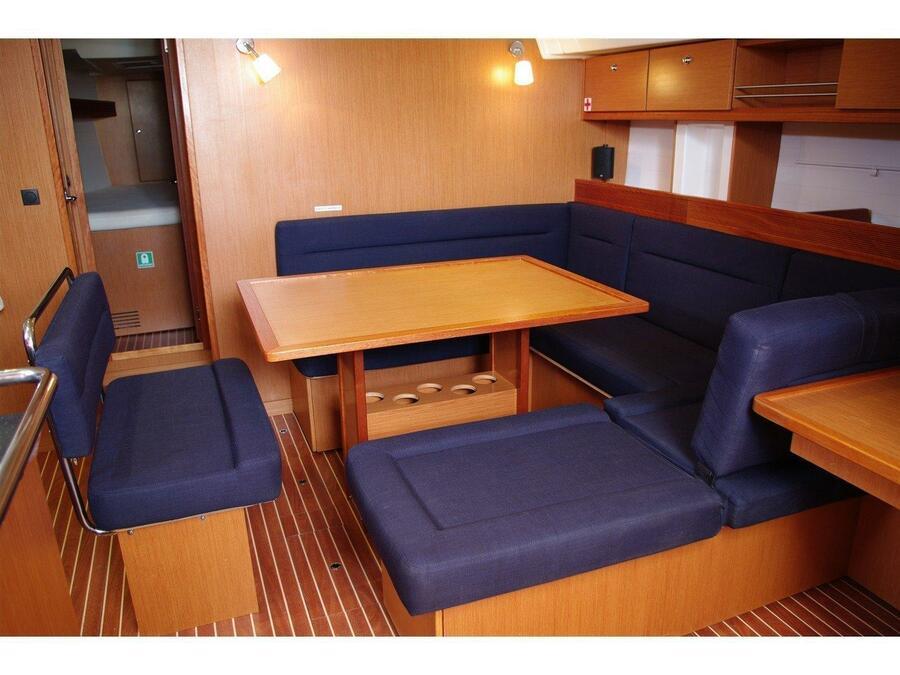 Bavaria Cruiser 45 (Destiny) Interior image - 1