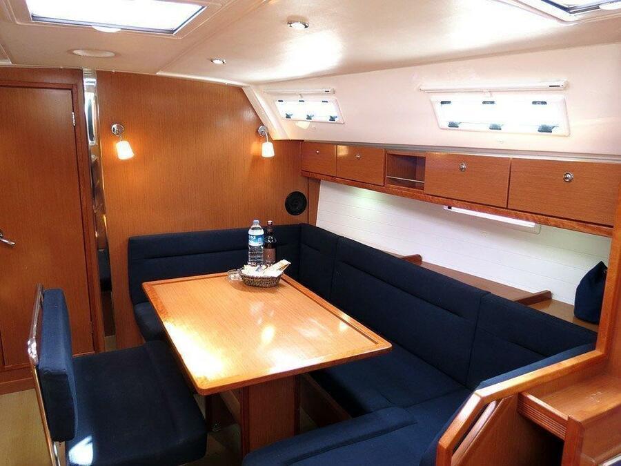 Bavaria Cruiser 40 (Vega) Interior image - 1