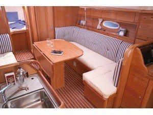 Bavaria 37 Cruiser (Alkmini) Interior image - 2