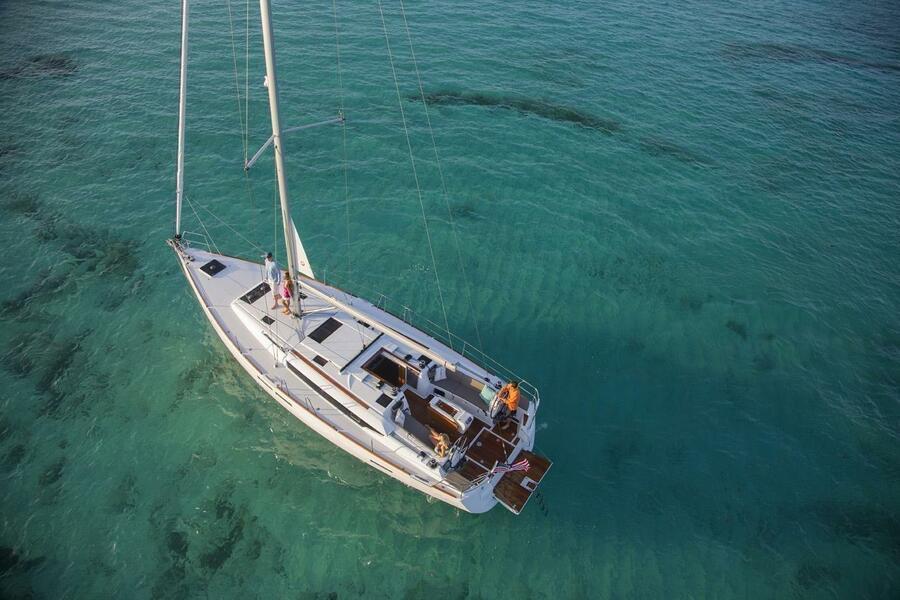 Sun Odyssey 479 (Unicorn) At anchor - 12