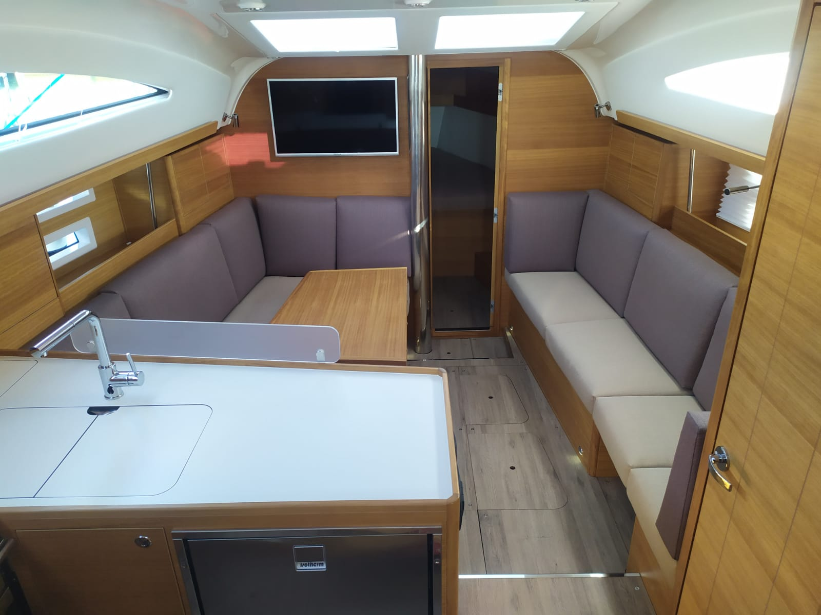 Elan Impression 40.1 (Baby Shark with A/C) Interior image - 25