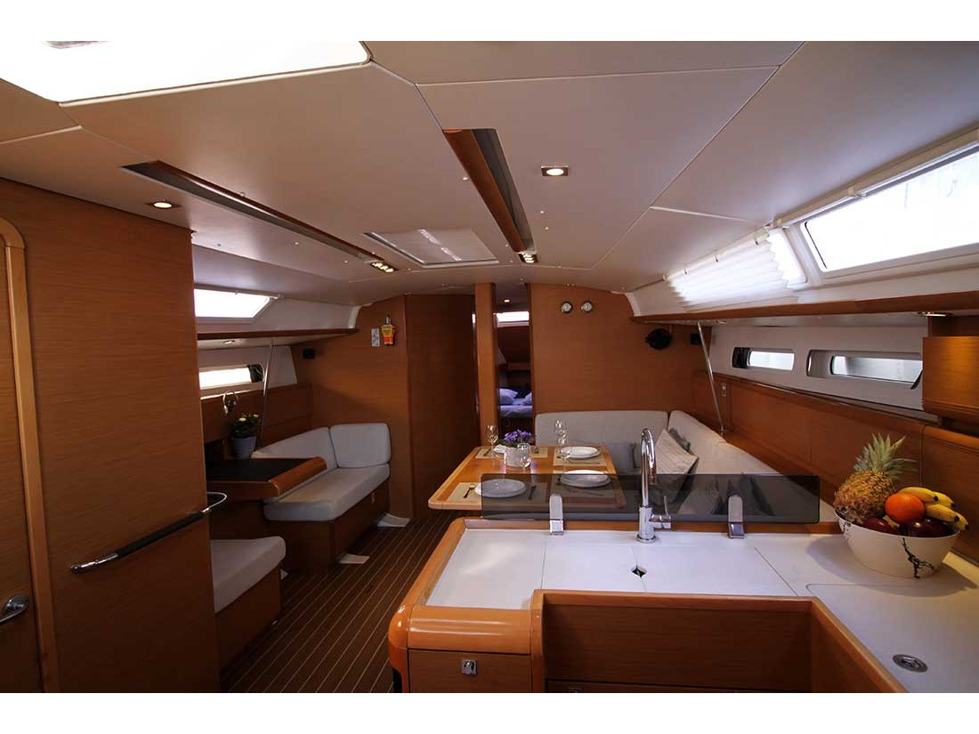 Sun Odyssey 439 (Lucky 7 - Refit 2020) Interior image - 1