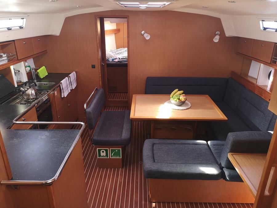 Bavaria Cruiser 45 (Eva) Interior image - 11