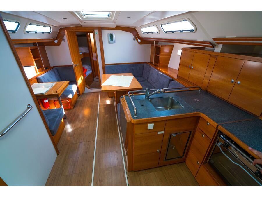 Hanse 430 (Karina (sails 2014)) Interior image - 2