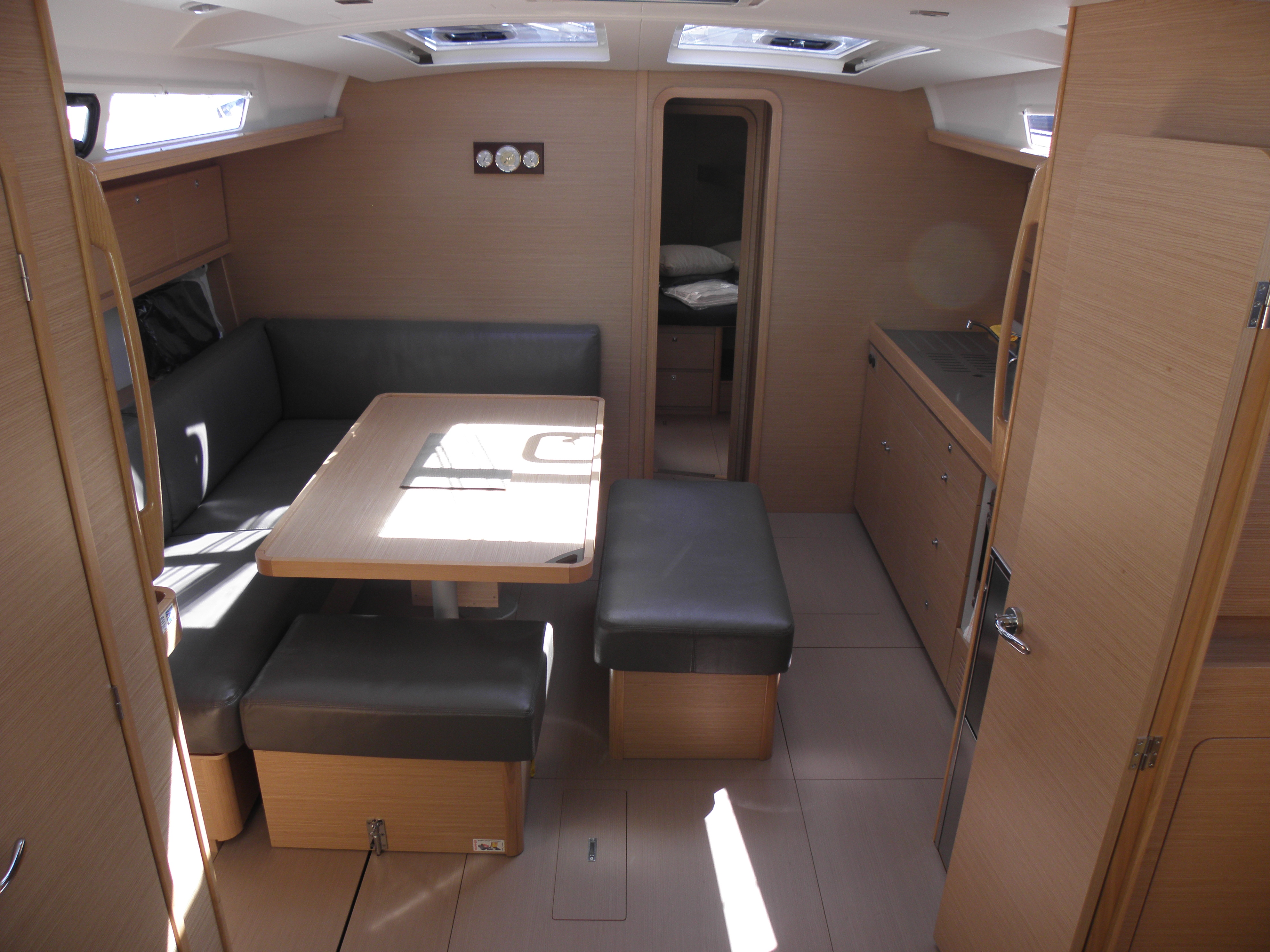 Dufour 460 Grand Large 5Cab (Abraxan) Interior image - 14