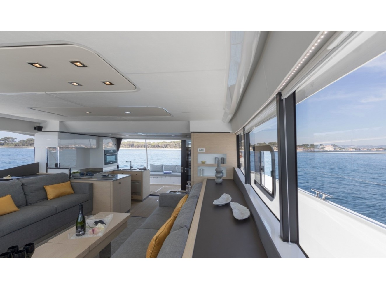 MY 44 Fountaine Pajot (ALPHA CENTAURI) Interior image - 2