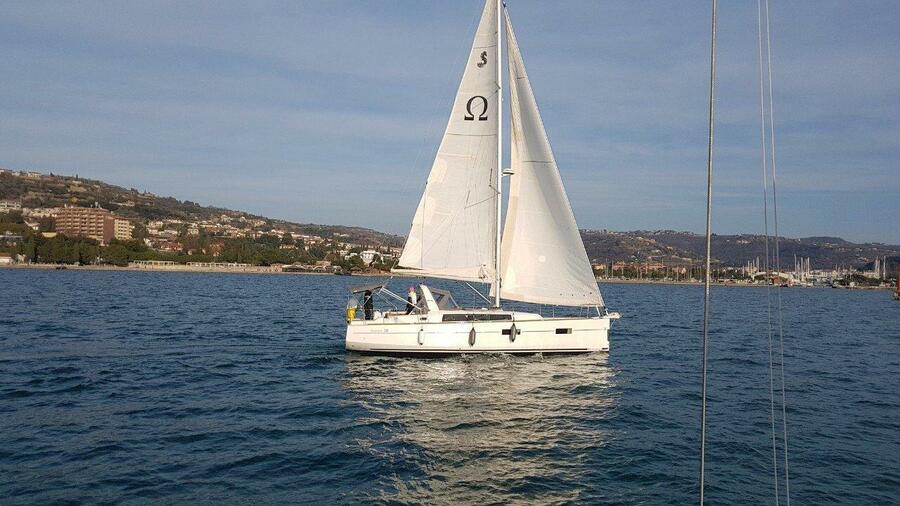 Oceanis 38 (Omega)  - 21