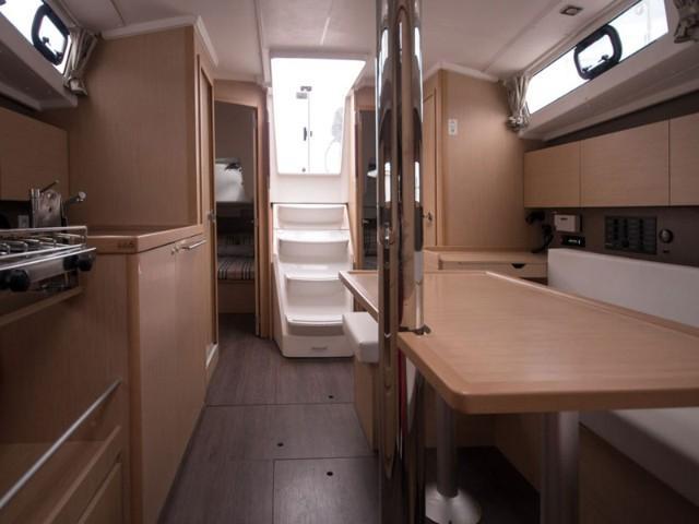 Oceanis 38 (3 cabins) (Salsa)  - 4