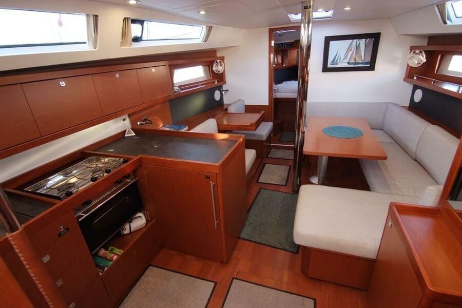Beneteau Oceanis 41 (EYS)  - 12