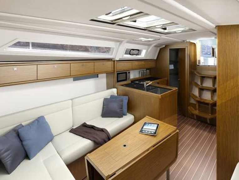 Bavaria Cruiser 37 (Eneja) Interior image - 5