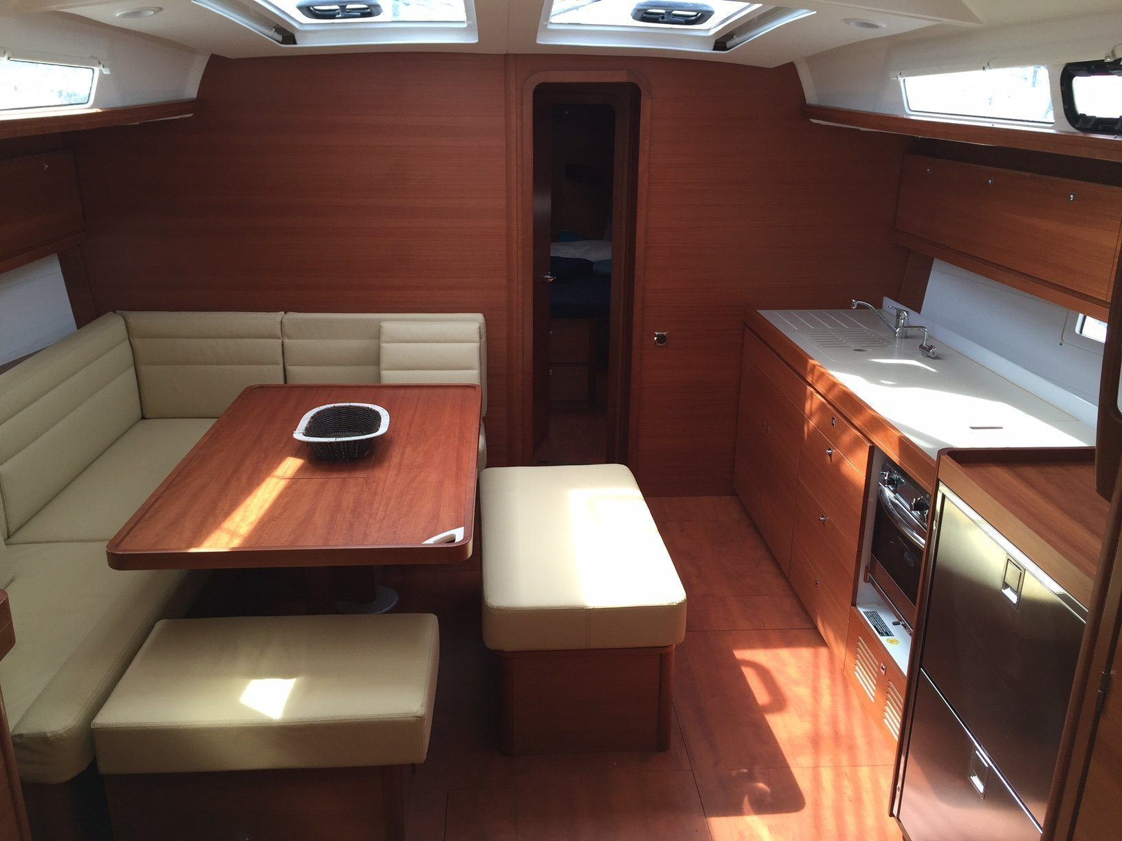 Dufour 460 Grand Large (Barbara) Interior image - 2