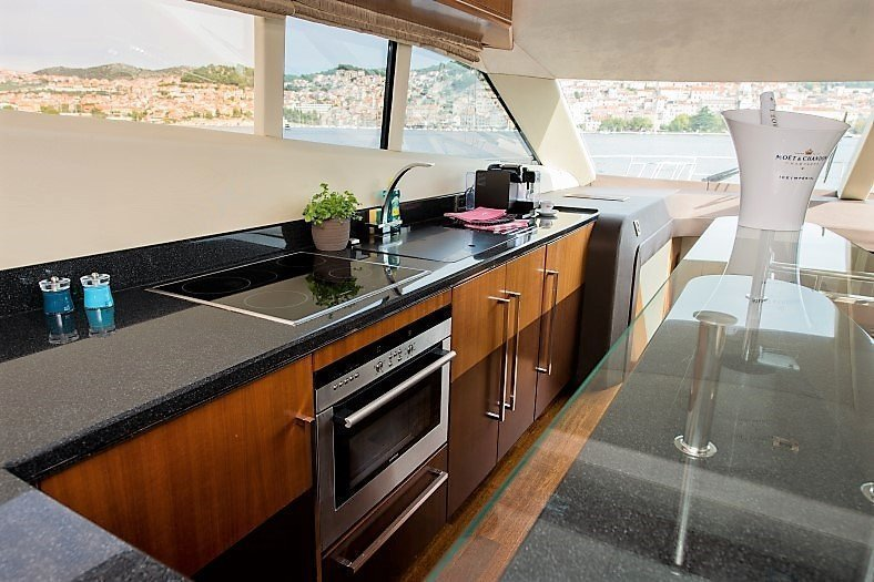 Galeon 640 Fly (Le Chiffre)  - 7