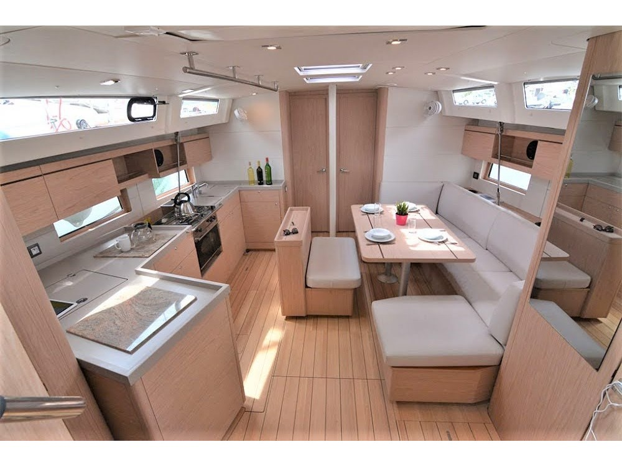 Oceanis 46.1 - 5 cabin version (FriendSEAp) Interior image - 1