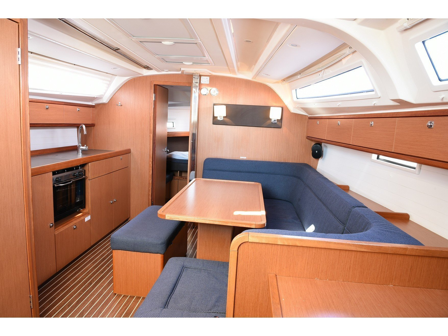 Bavaria 41 Cruiser (BAVARIA 41 CRUISER ) Interior image - 2