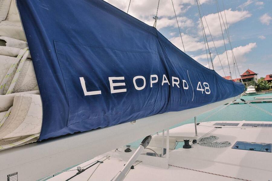 Leopard 48 (Black Swan BS)  - 7