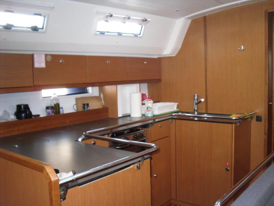 Bavaria Cruiser 50 (Juniper) Interior image - 2