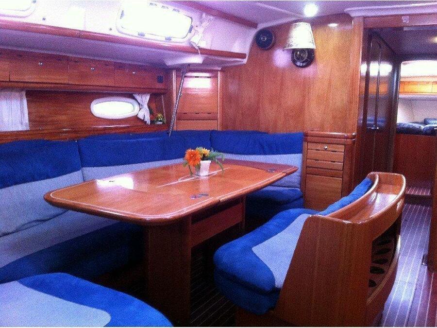 Bavaria 50 Cruiser (Taragon) Interior image - 1